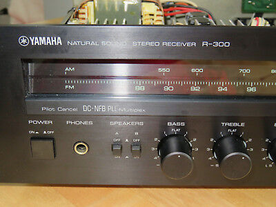 Yamaha R-300  Receiver in Makassar-Holz-Optik