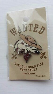 WILE E.COYOTE Wanted Poster WB WARNER BROS 1995 Pin Button Badge MOC Unopened