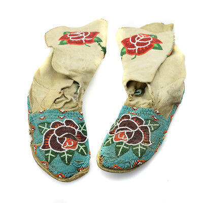 c. 1910-20 Plateau Beaded Moccasins with Flower Designs