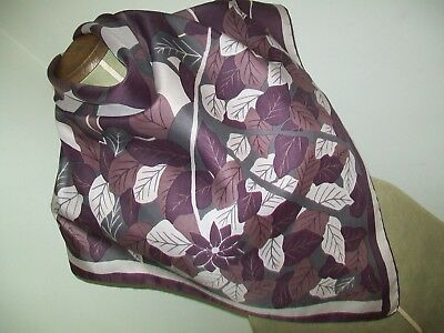 Richard Allan. Very Smart Abstract Foliage Design Vintage Silk Scarf