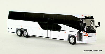Iconic Replicas 1:87 MCI D45 CRT LE Motor Coach Industries NEW BUS