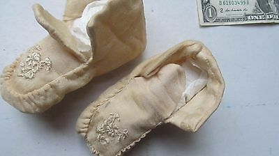 TINY 1890 Antique Victorian Embroidered Baby Shoes, Moccasins, Infant, Booties