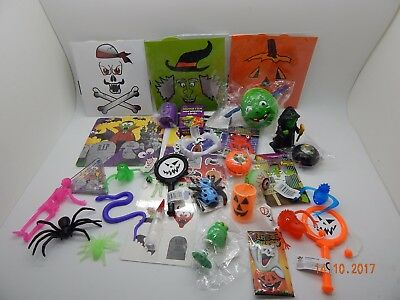 20 different HALLOWEEN small Party Bag Fillers/Toys/Favours Prizes Trick Treat