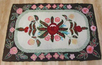 Farm House PA Amish Mennonite Floral HOOK Rug Vintage 44 x 32