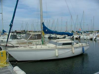 Jeanneau Sangria 26 ft sailing boat with mooring in the South of France