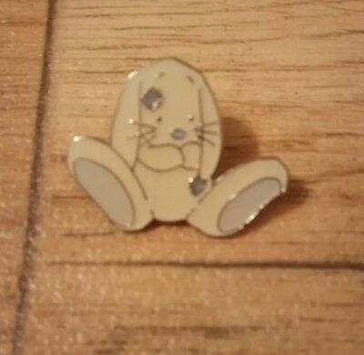 Me to You Blue Nose Friends Blossom Number 3 Pin