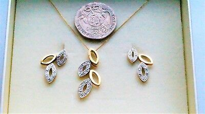 Simply Stunning White & Yellow Gold Diamond Necklace & Earring Set - new - 20 pt