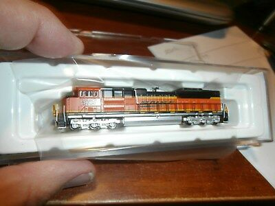 AMERICAN Z LINES 1:220 SCALE (Z) SD70ACe DIESEL LOCOMOTIVE-BNSF-RENUMBERED-8739