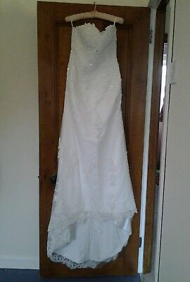 Wedding Dress Size 8 + Veil