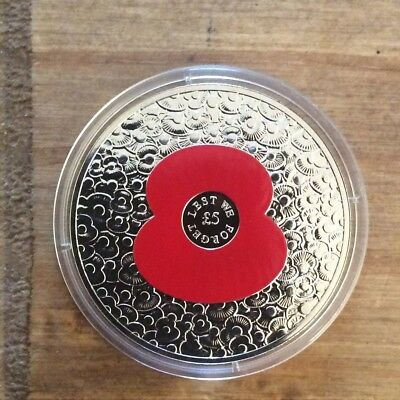 2014 Poppy £5 Coin. Lest We Forget