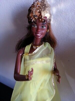barbie vintage nera CHRISTIE SUPERSTAR AA  IN SUNNY YELLOW SHINE FOR NIGHTTIMEL