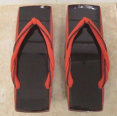 Japanese Collectible Wooden Zori Slippers Geta Shoes ~ Black Red ~