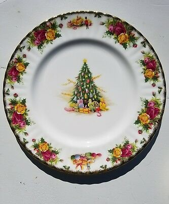 ROYAL ALBERT china CHRISTMAS MAGIC pattern Dinner Plate