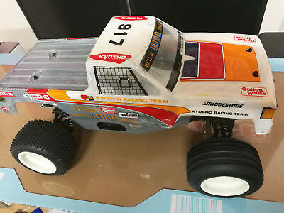 Vintage 90'S KYOSHO OUTLAW ULTIMA Truck OFF-ROAD R/C Racer Rolling Chassis 1/10