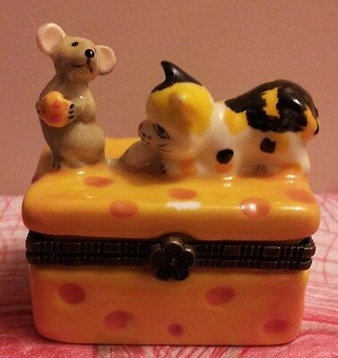 DIRECT CONNECTION Calico Cat & Mouse on Cheese Trinket Box with Surprise!!!