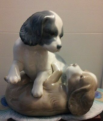 LLADRO NAO Playful Puppies Frolicking Figurine in MINT CONDITION!!!