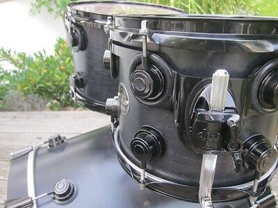DW Drum Workshop Collectors Schlagzeug Satin Black Oil / Black Chrome 4-teilig
