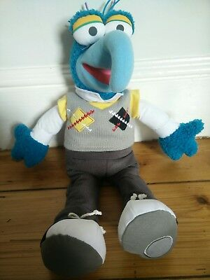 """DISNEY STORE Exclusive Authentic Muppets Gonzo Soft Toy Approx 17"""" exc condition"""