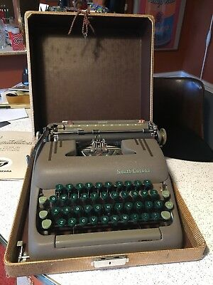 Vintage Smith-Corona Silent travel typewriter 1950's w/ tweed case