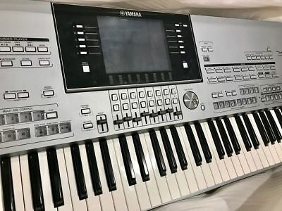 Yamaha Tyros 5 76 key arranger workstation with expansion memory