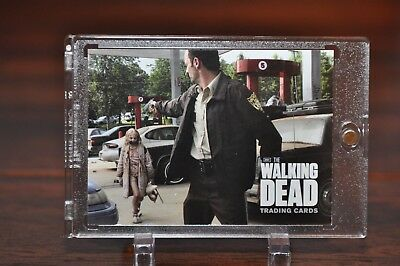 The Walking Dead Season 1 Promo Card  P4  RICK and Mini WALKER  (Season 1 DVD )