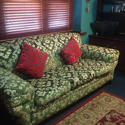 Immaculate 3 Seater Vintage Lounge