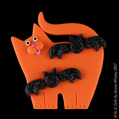 Standing Orange Kitty Cat with 2 Glittery Black Bats Halloween Pin - SWris