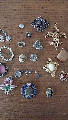 Job Lot 19 Pieces Costume Jewellery Brooches Clip ons