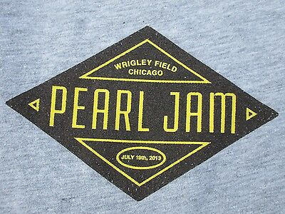 Pearl Jam Wrigley Field July 19, 2013 Concert Band Shirt Gray Womens Sz XL