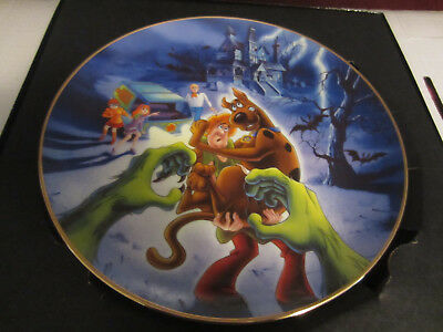 """Scooby Doo Warner Brothers Gallery 9"""" Plate 1997"""