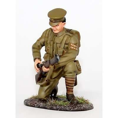 Empire Miniatures 1:32 W1-1413 WW1 BEF Corporal Kneeling Loading No 1