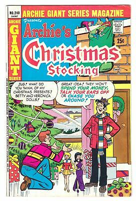 "ARCHIE GIANT SERIES #240 (12/75)--VG+ / ""Archie's Christmas Stocking""^"