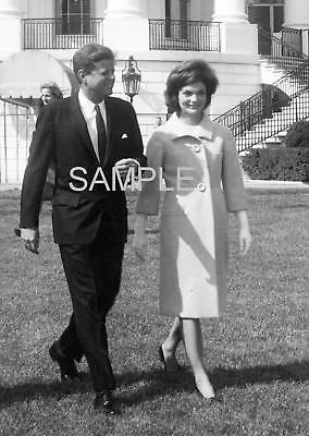 1962 PRESIDENT JF KENNEDY & JACKIE on White House Lawn PHOTO