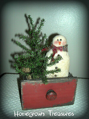 Primitive Christmas!  Snowman and Tree in Little Red Drawer Shelf Sitter!