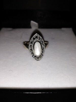 Beautiful Art Deco Style Mother of Pearl and Marcasite 925 Silver Ring