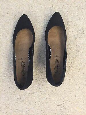 Brand new New Look Nubuck Size 6 Black Court Shoes