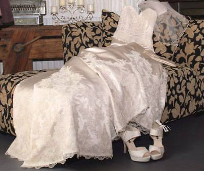 "Henry Roth ""Ivanka"" Wedding Dress size 10 Ivory with Veil"