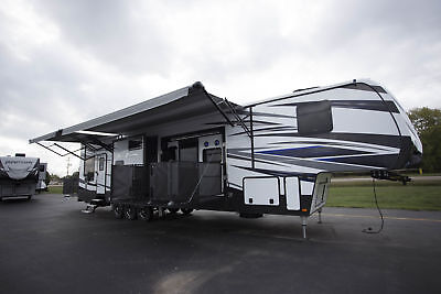 Lowest Price New 2018 Fuzion 424 Toy Hauler Fifth Wheel 12Ft Garage Side Patio