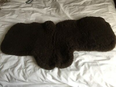 Le Mieux Sheepskin Showing Numnah (Brown) Small