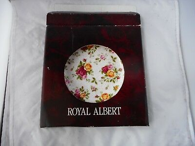 "ROYAL ALBERT OLD COUNTRY ROSES""SOFT PINK LACE""PLATE(20.5cms diameter)"