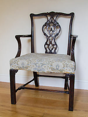 Stunning Chippendale Antique Armchair In Fine Carved Mahogany