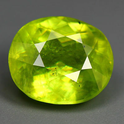5.54 Cts_World Class Limited Edition_100 % Natural Titanite Green Sphene_Russia