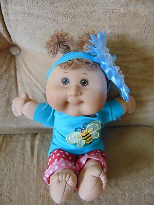 Adorable Little Girl Cabbage Patch Kids Vintage Doll Buzzy Bee Flower Outfit