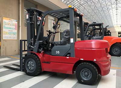 Diesel Forklift- (New) 3.5 Tons Lifting Weight And 3M Lifting Height.