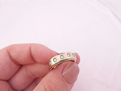 9ct/ 9k gold 22 point Diamond five stone ring, 375