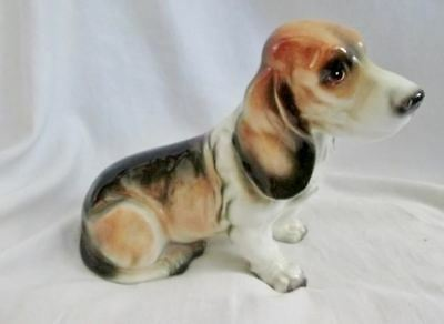 Vtg DOG BEAGLE JAPAN Hound Statue Ceramic Figurine Porcelain BROWN WHITE