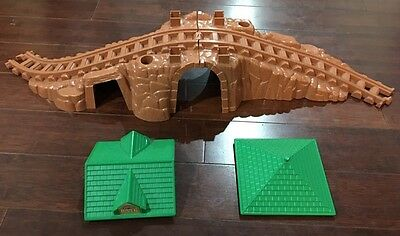 Lincoln Logs Frontier Express Train Tunnel Curved Rise Tracks & 2 Roofs @