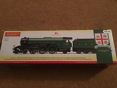 """BRAND NEW BOXED HORNBY-THE FINAL DAY LNER CLASS A3 """"GAY CRUSADER""""-No 108"""
