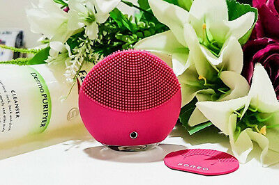 Foreo LUNA MINI 2 Facial Cleaning Brush in Box FUCHSIA Hot PInk Color NEW