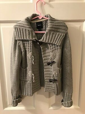 Gap Kids Size 6-7 Gray Knit Toggle button Sweater!  Great condition and warm!